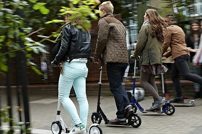 Scooting: How To Lose 400 Kilocals To Stay Fit and Healthy